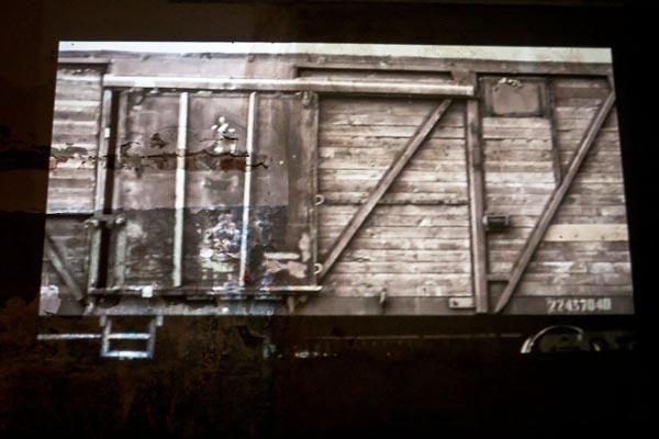 """Videoinstallation """"Deportation"""". Video """" Train"""""""